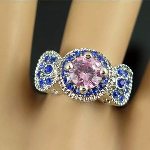 Gorgeous Betsey Johnson pink and blue ring